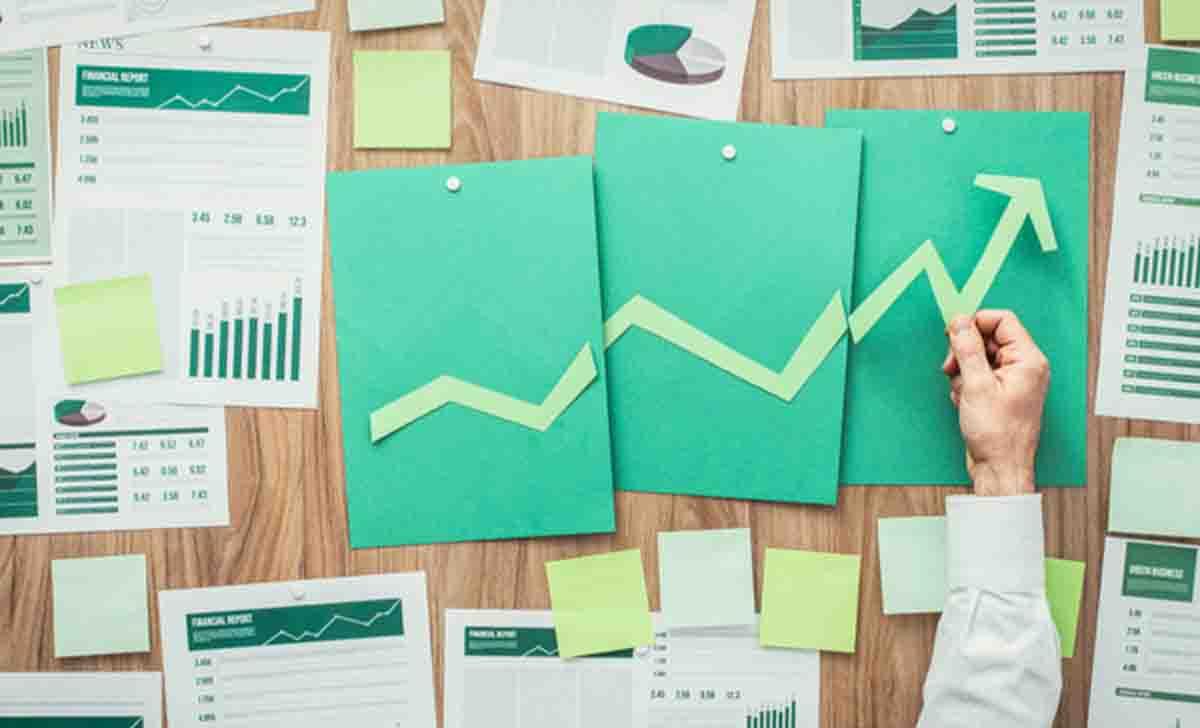 Descubra qué es la eficiencia operativa, cómo aumentarla e indicadores importantes